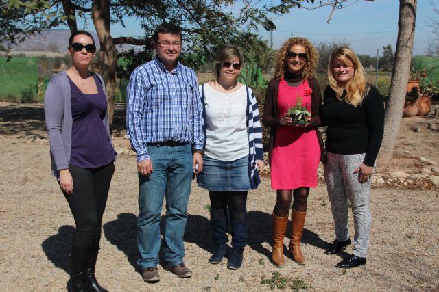 La Concejalía de Parques y Jardines colabora con la Asociación Prosauces Las Flotas en un nuevo proyecto terapéutico, Foto 3