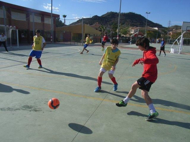 Águilas, Mazarrón y Totana acogieron las finales de la fase intermunicipal de deportes de equipo, Foto 1