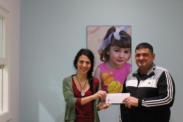 El Club Escuela de Fútbol de Totana colabora con las Enfermedades Raras, Foto 1