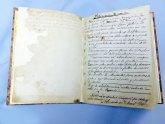 La Hermandad de Santa María Cleofé restaura el Primer Libro de Actas de la Hermandad que data del 1874