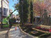 Acondicionan los parques y jardines por los itinerarios donde se celebrarán las procesiones y principales actos de la Semana Santa