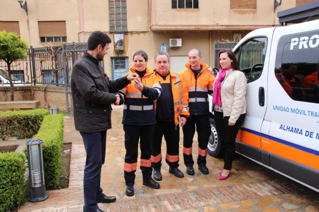 El Ayuntamiento dota con una nueva furgoneta a Protección Civil, Foto 4