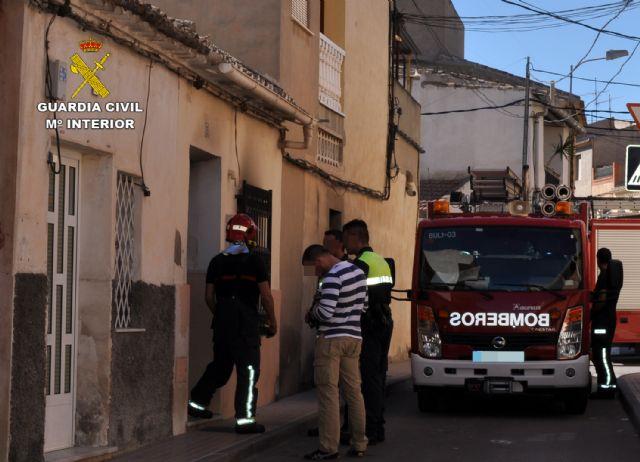 La Guardia Civil detiene a un individuo por incendiar una vivienda con sus moradores en Totana, Foto 2