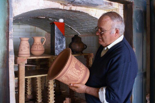 Totana bartolom bell n recibir el premio de honor - Ceramica el mazarron ...