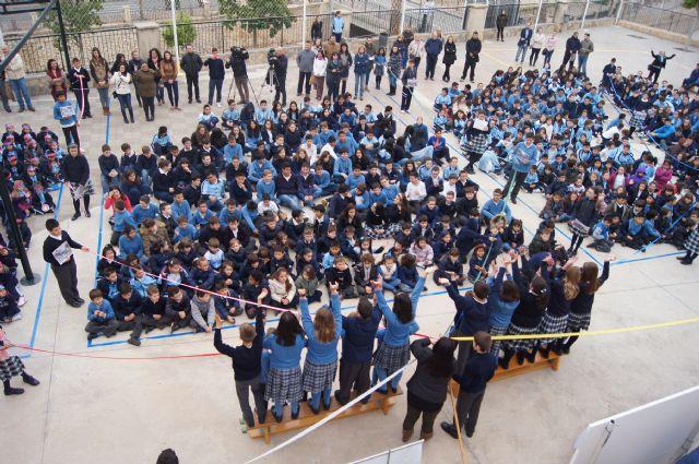 Los niños del colegio La Milagrosa protagonizan el manifiesto del Día Mundial de las Lipodistrofias, Foto 1