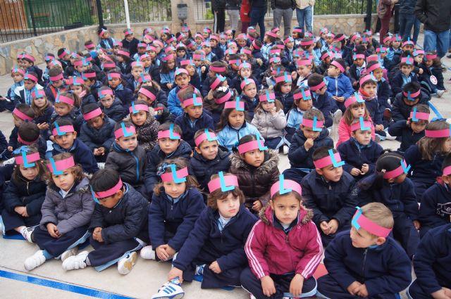 Los niños del colegio La Milagrosa protagonizan el manifiesto del Día Mundial de las Lipodistrofias, Foto 2