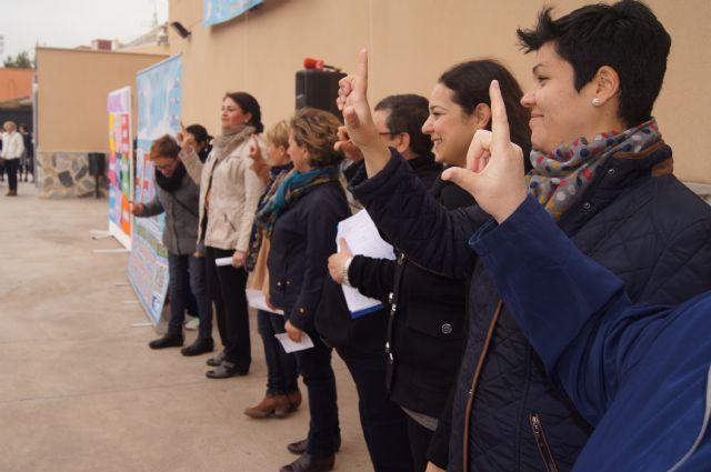 Los niños del colegio La Milagrosa protagonizan el manifiesto del Día Mundial de las Lipodistrofias, Foto 3