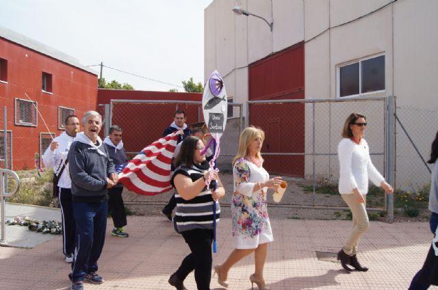 Usuarios de los Centros de Día con Enfermedad Mental y Ocupacional José Moyá Trilla disfrutan de su particular Entierro de la Sardina, Foto 2