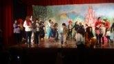 Éxito de la representación de la obra El Mago de Oz por parte de madres del CEIP Santiago