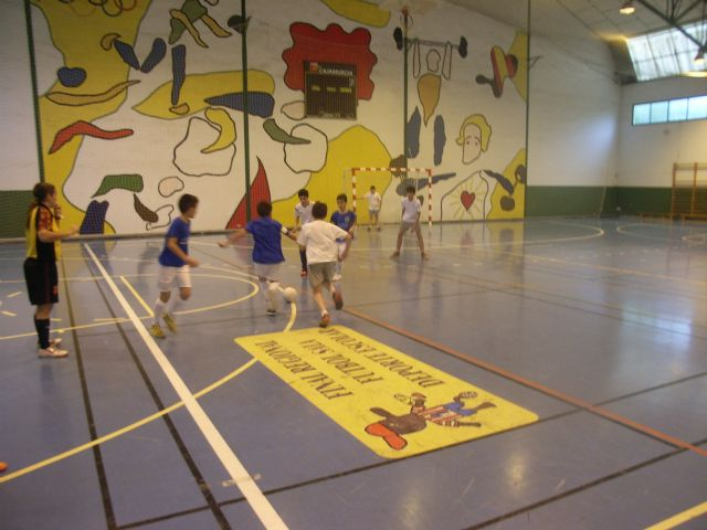 Basketball teams and Futsal Alevín the Reina Sofía College to qualify for the Finals Phase Inter School Sports - 4