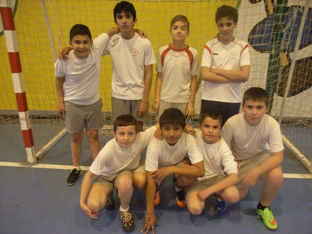 Basketball teams and Futsal Alevín the Reina Sofía College to qualify for the Finals Phase Inter School Sports - 5