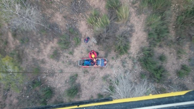 Emergency services are working to rescue an injured hiker in Sierra del Cabezo Gordo in Totana, Foto 1