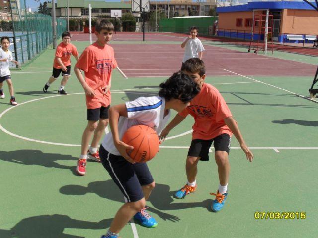 El equipo de Multideporte Benjamín del Colegio Santa Eulalia se clasifica para los cuartos de final de la fase regional de Deporte Escolar, Foto 1
