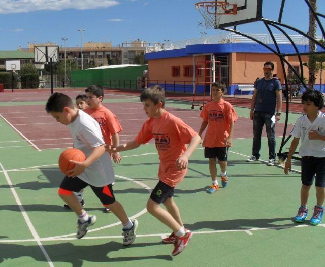 El equipo de Multideporte Benjamín del Colegio Santa Eulalia se clasifica para los cuartos de final de la fase regional de Deporte Escolar, Foto 2