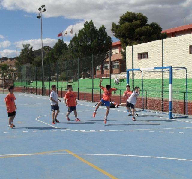 El equipo de Multideporte Benjamín del Colegio Santa Eulalia se clasifica para los cuartos de final de la fase regional de Deporte Escolar, Foto 4