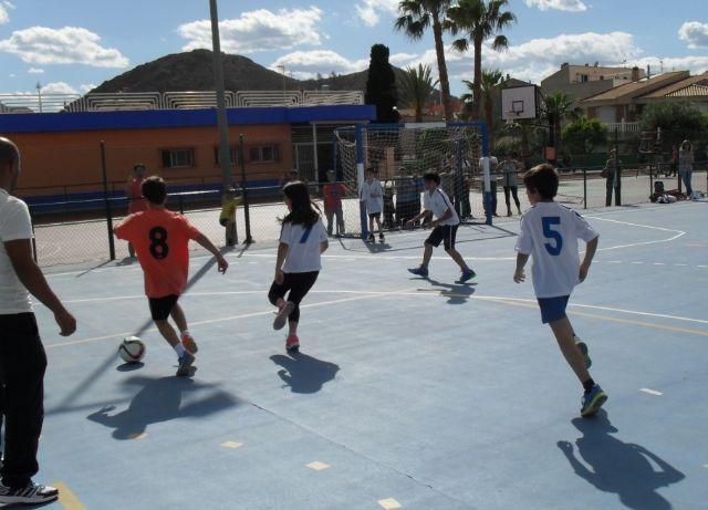 El equipo de Multideporte Benjamín del Colegio Santa Eulalia se clasifica para los cuartos de final de la fase regional de Deporte Escolar, Foto 6