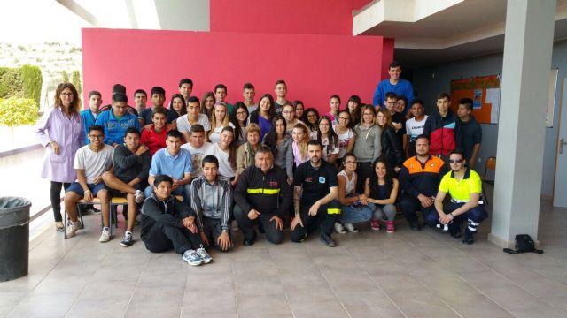 Protección Civil ofrece charlas informativas a alumnos de la ESO del Colegio Reina Sofía sobre Atención en Primeros Auxilios, Foto 1