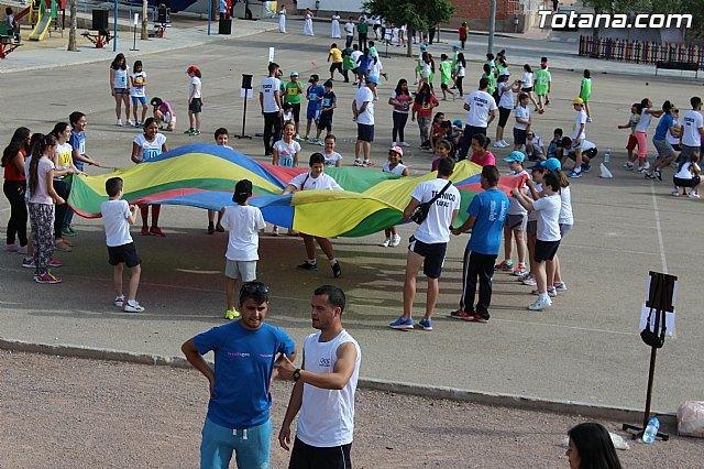 Más de 400 alumnos de 5° de Educación Primaria de todos los colegios de Totana participan en la Jornada de Juegos Populares, Foto 1