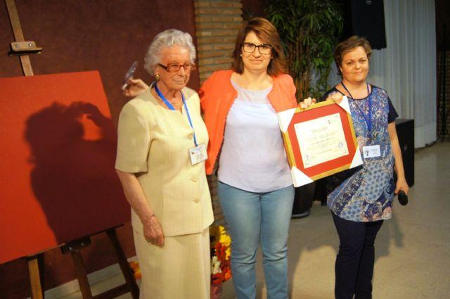 Salus Infirmorum nombra Voluntaria de Honor de esta asociación a la Alcaldesa, Foto 3