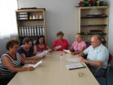 La asociación del centro de día de Mazarrón dona material adquirido para uso municipal