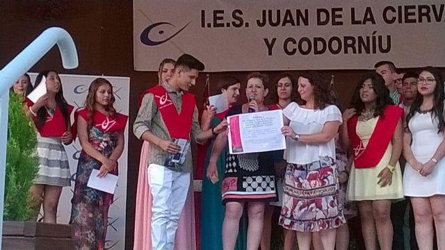 Los alumnos de 4° de la ESO del IES Juan de la Cierva y Codorníu de Totana apoyan a D´genes, Foto 2