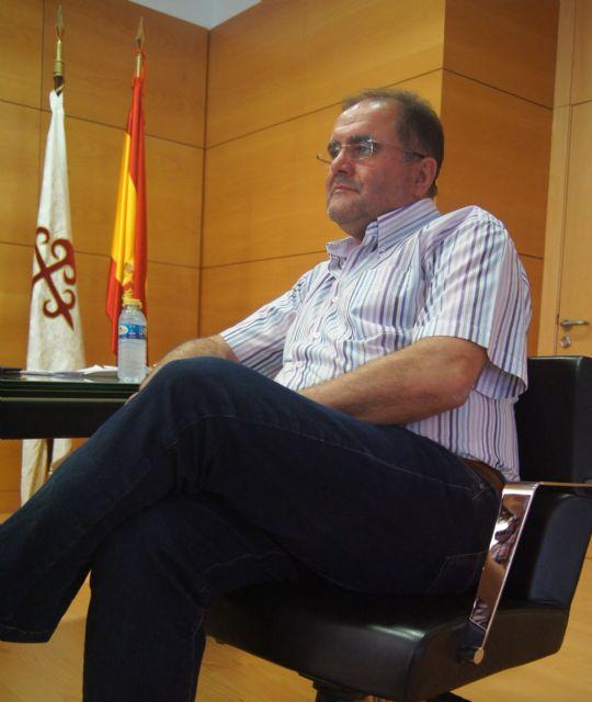 El alcalde aboga por una acción de gobierno basada en la dedicación y actitud dialogante y participativa con las asociaciones y colectivos ciudadanos, Foto 1