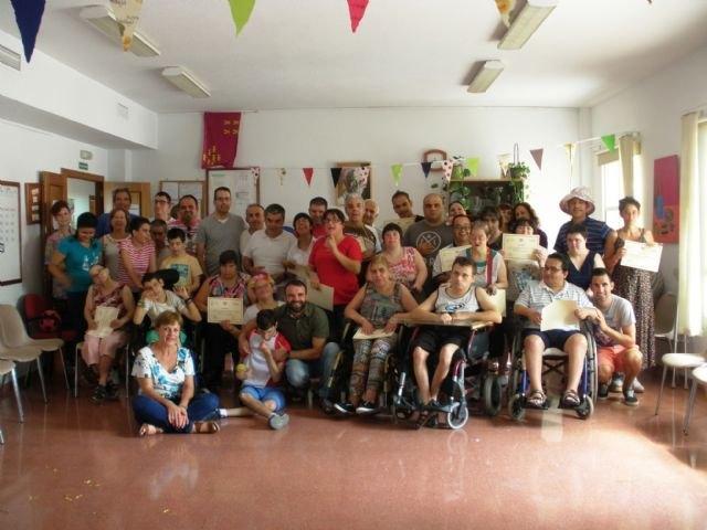 """Autoridades municipales clausuran el curso 2014/15 en el Centro Ocupacional """"José Moyá Trilla"""" de Totana, Foto 1"""