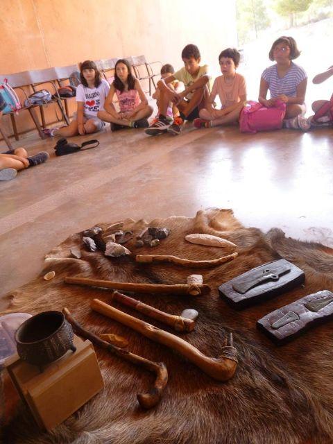 Un total de 11 niños y niñas participan en la Semana de la Prehistoria en La Bastida, Foto 3
