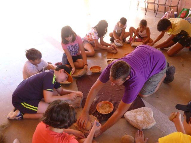 Un total de 11 niños y niñas participan en la Semana de la Prehistoria en La Bastida, Foto 4