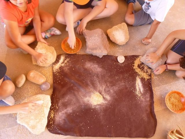Un total de 11 niños y niñas participan en la Semana de la Prehistoria en La Bastida, Foto 5