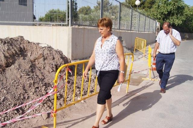 Más de 4.000 vecinos de las zonas altas de los Huertos se benefician de las obras del nuevo entronque en la red que la Mancomunidad de Canales del Taibilla tiene en la Carretera de La Huerta, Foto 1