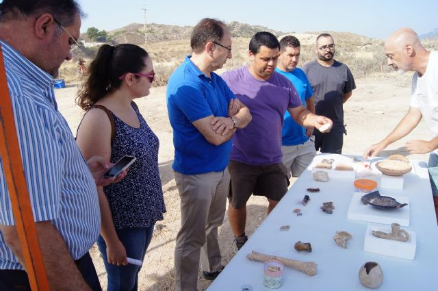"Murcia.com sponsors the II Golf archaeological work at the site of ""The Cabezuelas"", Foto 8"