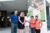 Blas Miras y Virginia Garc�a presentan en Puerto de Mazarr�n sus dos nuevos libros infantiles