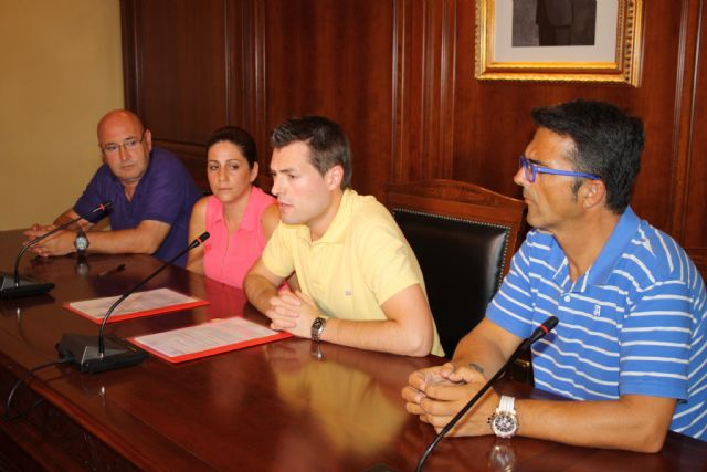 El Ayuntamiento de Cehegín y la Asociación D´Genes firman un convenio de cesión de un local para abrir su sede comarcal, Foto 1