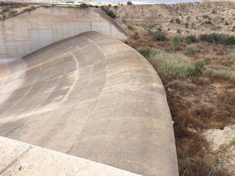 El alcalde advierte del peligro que existe de inundación en el núcleo rural de Las Ventas y el Camino Real por una embocadura abierta en el Canal de El Paretón si la CHS no toma medidas, Foto 5