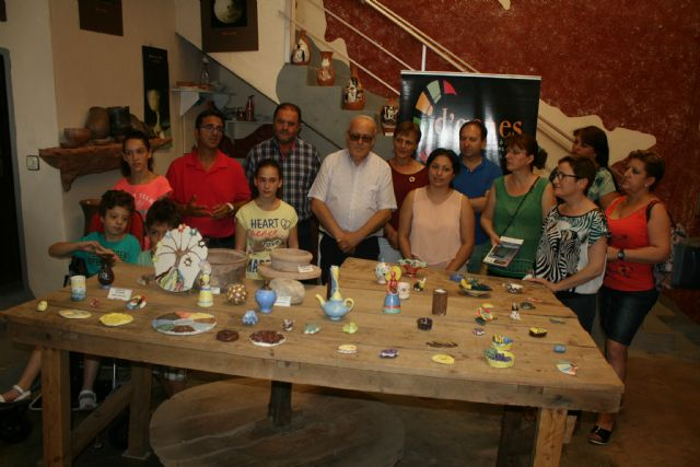 Durante los meses de agosto y septiembre Bellón Alfareros acoge una exposición, Foto 1
