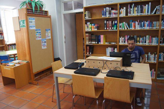 Abre el servicio de la Biblioteca Municipal Mateo García desde hoy con su horario habitual, Foto 1