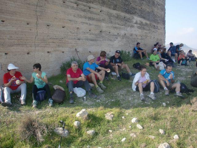 33 personas participaron en una ruta senderista por Mula y Albudeite, Foto 4