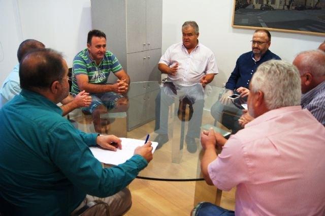 Autoridades municipales se reúnen con la Comunidad de Regantes, Foto 1