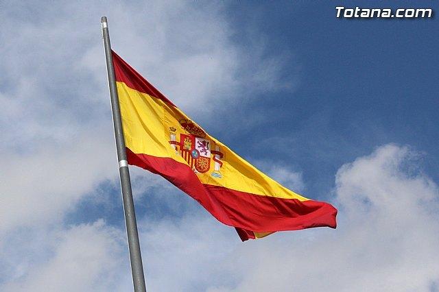 La portavoz del PP critica en redes sociales al alcalde por llamar trapo a la bandera de España, Foto 1