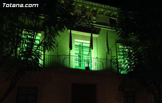 El Ayuntamiento de Totana se iluminó de verde por la #Plenainclusión de las personas con discapacidad intelectual, Foto 1