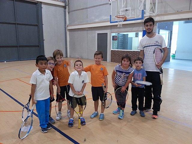 Comenzan las clases de tenis extraescolares en La Hoya, impartidas por la Escuela de Tenis Kuore de Totana, Foto 2