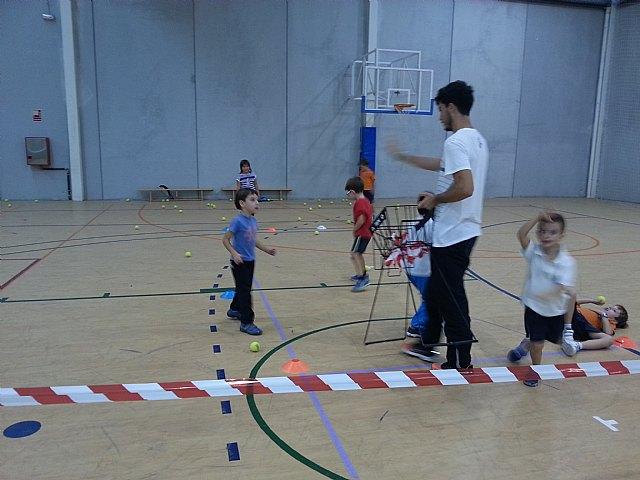 Comenzan las clases de tenis extraescolares en La Hoya, impartidas por la Escuela de Tenis Kuore de Totana, Foto 3