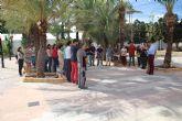 El Ayuntamiento de Alhama se suma al minuto de silencio por la mujer asesinada en Beniel