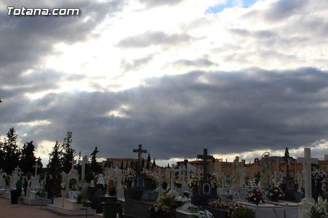 La Misa de Ánimas se celebrará mañana en el Cementerio, a las 17:00 h, si las condiciones climatológicas no lo impiden, Foto 1