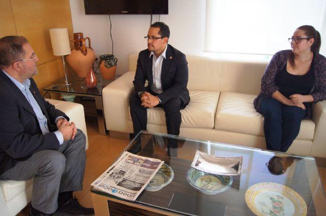 El alcalde se entrevista con el diputado nacional de Ecuador, Esteban Melo, Foto 3