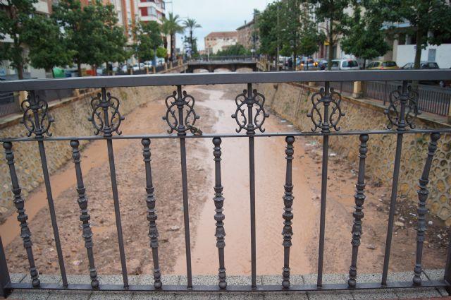 Se registra una media de 21litros por metro cuadrado en Totana a consecuencia de las lluvias torrenciales de la pasada noche, Foto 1