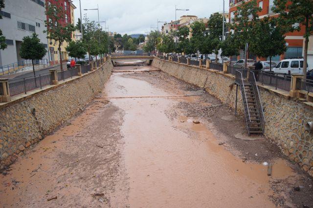 Se registra una media de 21litros por metro cuadrado en Totana a consecuencia de las lluvias torrenciales de la pasada noche, Foto 2