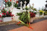 El viento y la lluvia provocan desperfectos en el cementerio - 1
