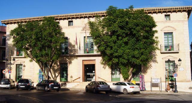 El Ayuntamiento va a pedir al Gobierno de la Nación que se suspenda y derogue la aplicación de la Ley de Racionalización y Sostenibilidad de la Administración Local, Foto 1